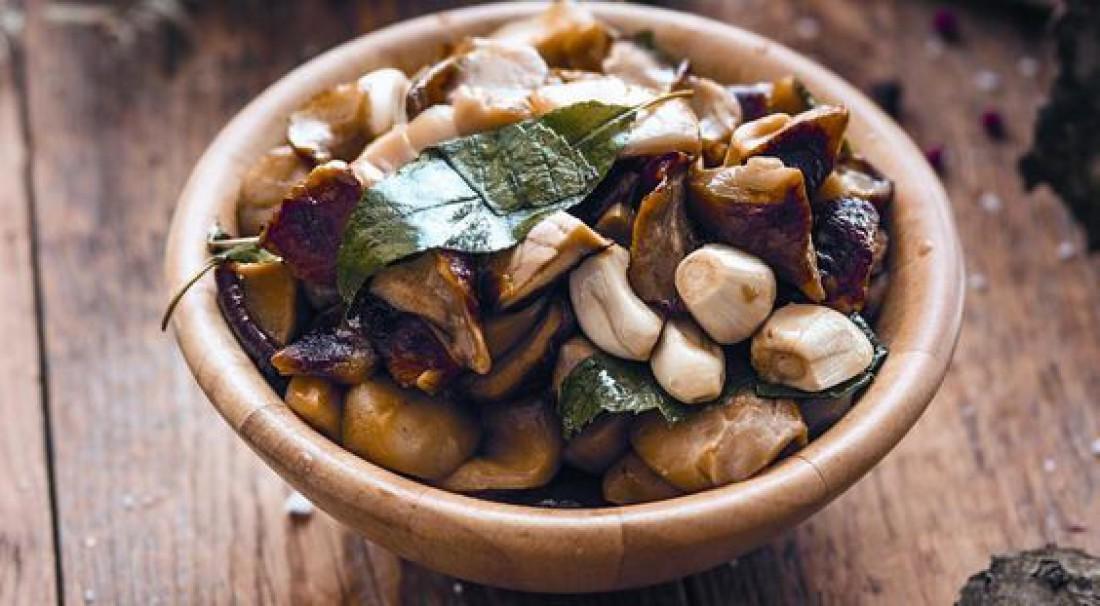 Маринованные грибы: простой пошаговый рецепт (с фото)