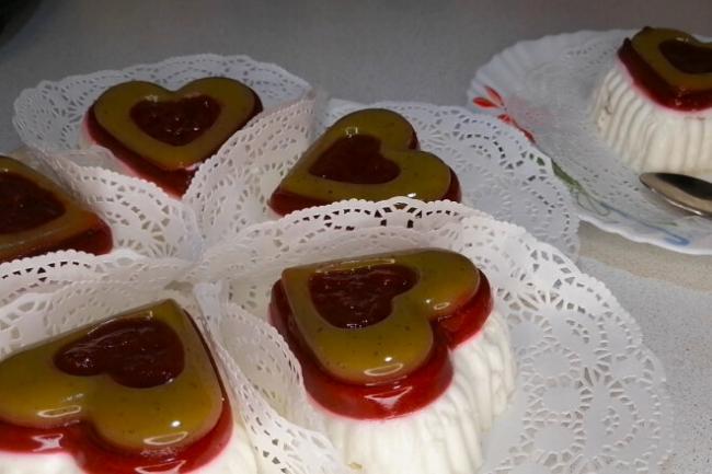 Творожное пирожное «Облако-Рай» с малиной и киви без выпечки