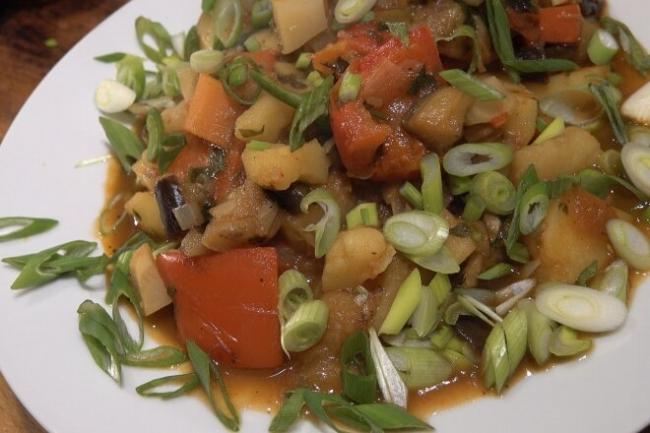 Грузинское овощное рагу из баклажан Аджапсандали
