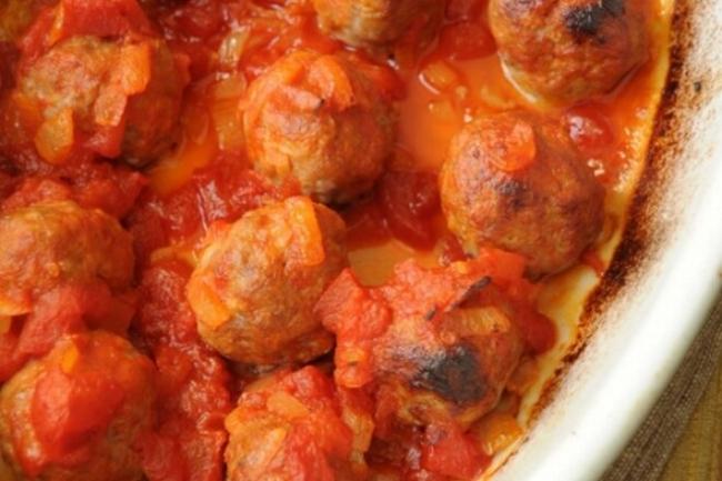 Котлеты с овощным соусом на бульоне